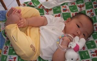 Клебсиелла у грудничка в кале: почему возникает и как лечить?